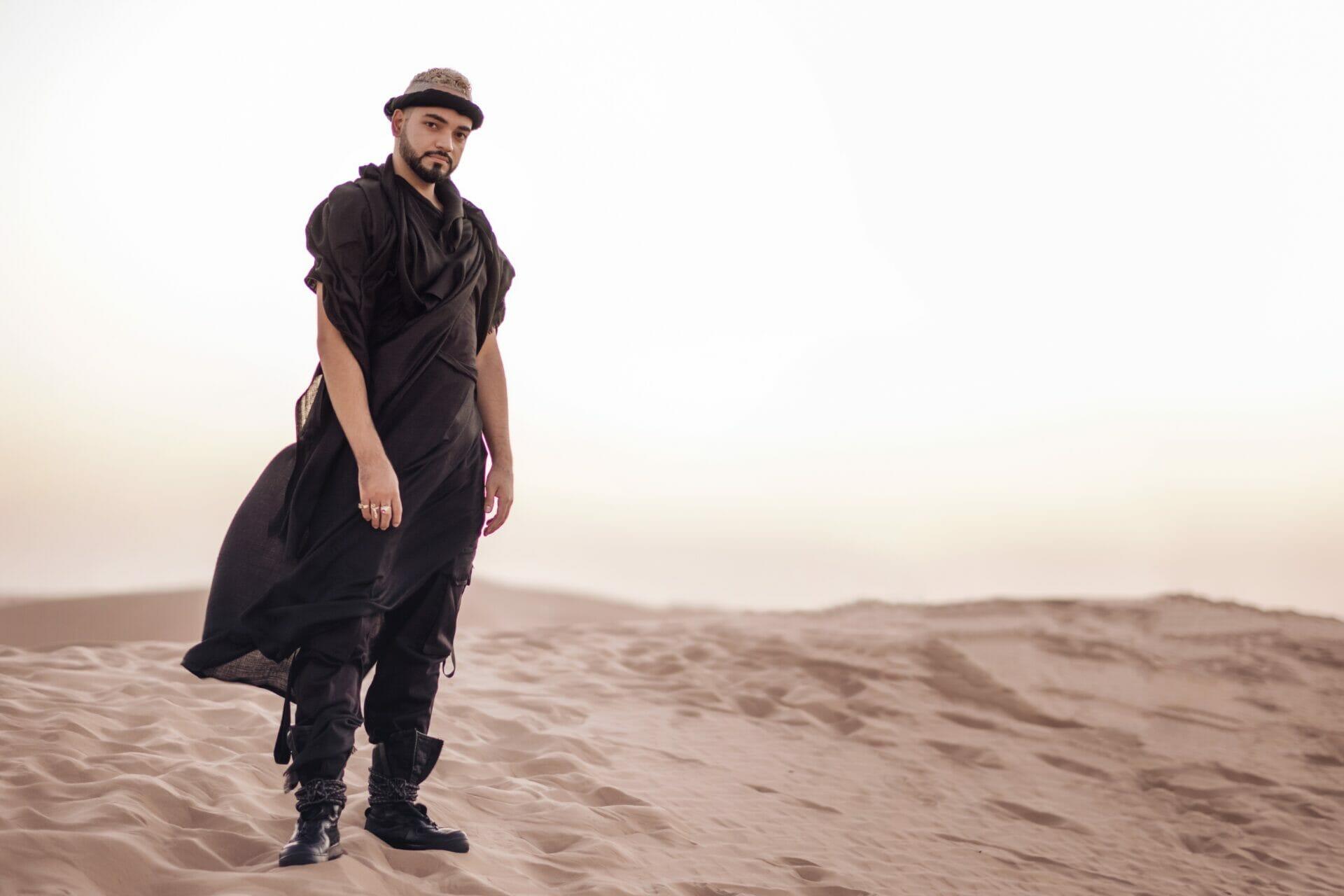 Mariano desert alone